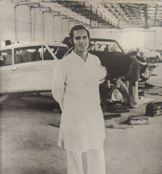 मारुति फैक्ट्री में संजय गांधी