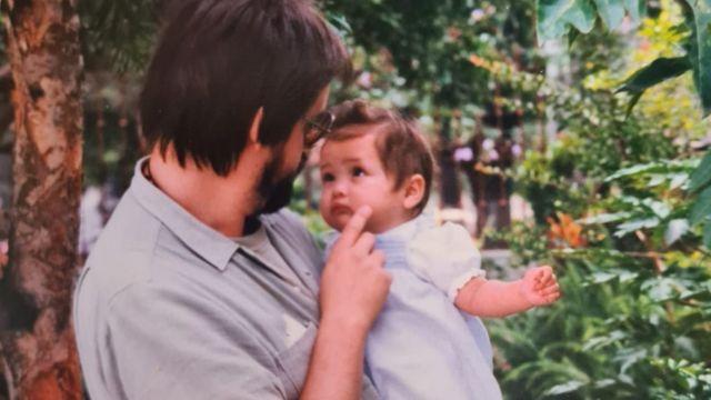 Mariela con su papá adoptivo
