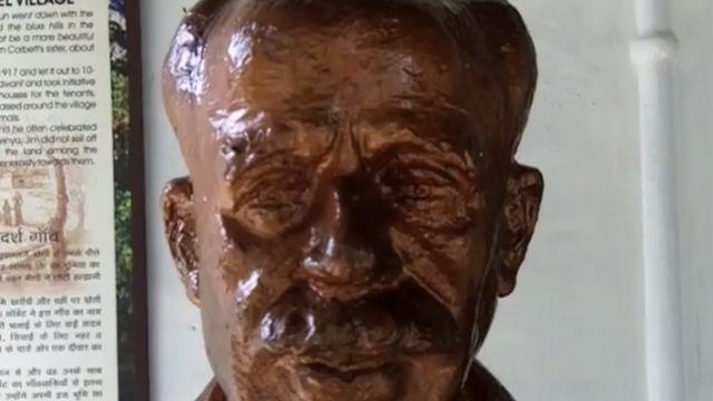 जिम कॉर्बेट का पुतला