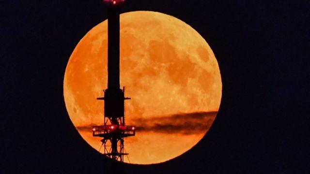 Luna de la cosecha vista desde Alemania.