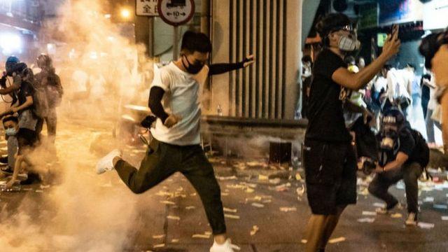 Гонконгдогу жүрүштөр жаздан бери токтобой жатат