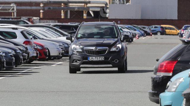 Auto de la marca europea Opel