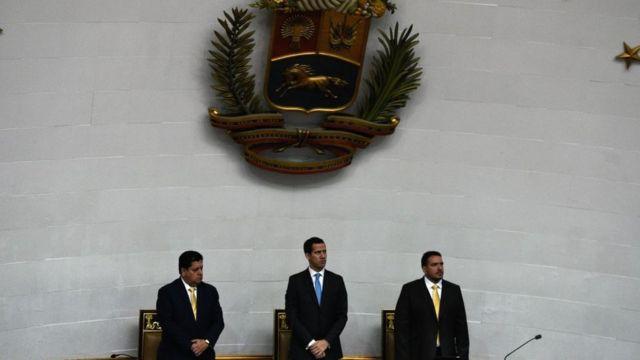 """Maduro dijo que respaldaría las """"medidas drásticas"""" contra la Asamblea Nacional."""