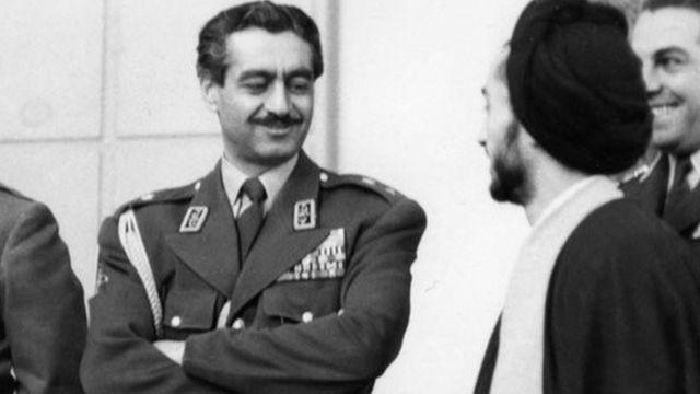 دولت کندی برای کودتا به تیمور بختیار اعتماد نداشت ولی اگر اوضاع ایران به خاطر ترور شاه یا فرارش از کشور بهم میریخت، آمریکا میخواست بختیار را به عنوان دیکتاتور ایران به قدرت برساند