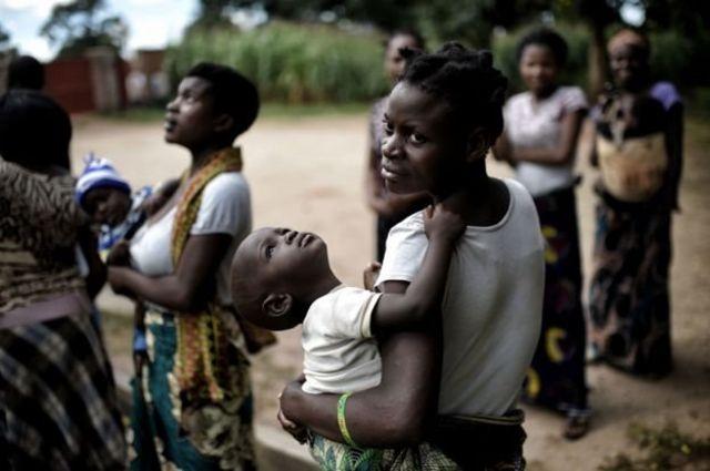 Wasu mata a Malawi