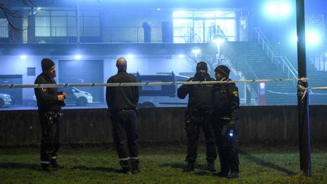 A polícia numa cena de crime em Malmo