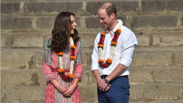 Duke and Duchess of Cambridge at Banganga water tank in Mumbai