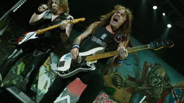 Banda inglesa Iron Maiden en concierto