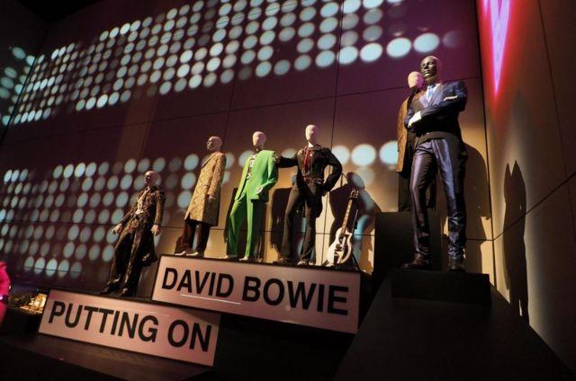 Выставка David Bowie Is