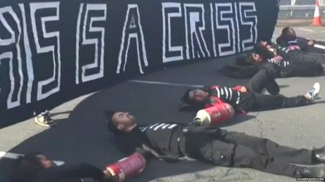 Amateur video shows Black Lives Matter campaigners lying on the road