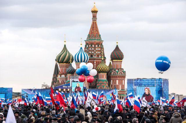 Un rally patriótico en Rusia conmemora la anexión de Crimea, el 18 de marzo de 2014.