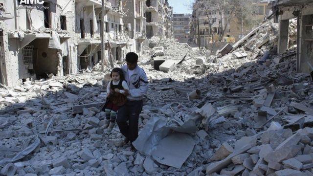 شارع مدمر في حلب