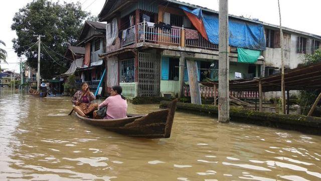 ဘားအံမြို့တွင်း ရပ်ကွက်တချို့ ရေနစ်မြှုပ်