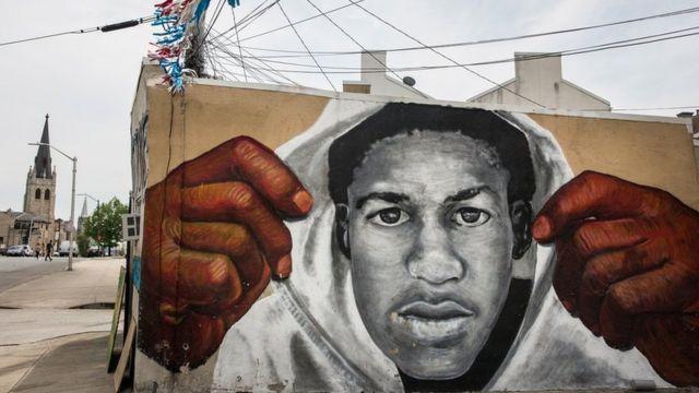 フロリダで殺害されたマーティンさんを追悼するメリーランド州ボルティモアの壁画