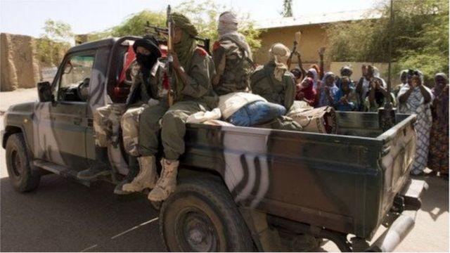 Une patrouille armée dans le nord du Mali