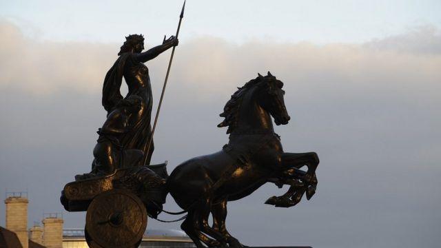 Estatua de Boudica/Boadicea por Thomas Thornycroft en Westminster, Londres.