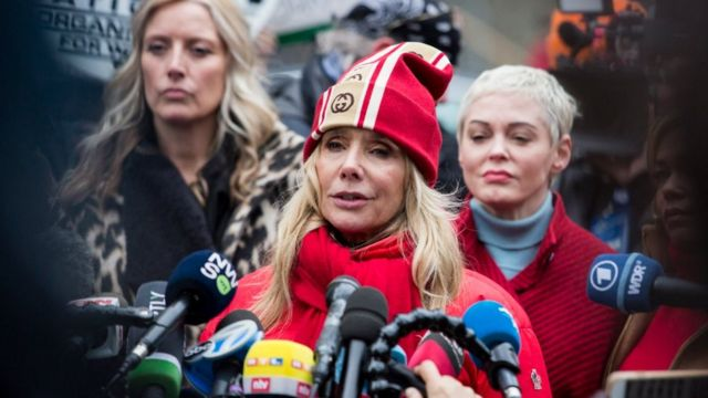 Actress Rosanna Arquette speaks with members of the media as Harvey Weinstein arrived at the Manhattan courthouse on January 6