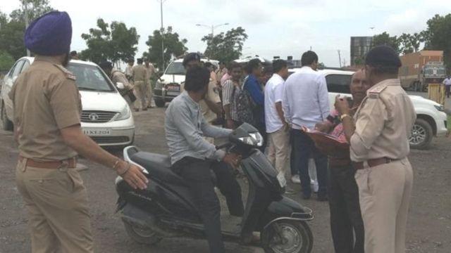 ग्रीनवूड बंगलोज बाहेर पोलिसांचा बंदोबस्त