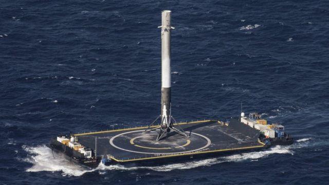 「ファルコン9」は地球に再着陸するよう設計されている