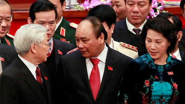 """Nhiệm kỳ Đại hội 12 chứng kiến mô hình """"tam trụ"""" từ công thức """"tứ trụ"""" sau khi Chủ tịch nước Trần Đại Quang qua đời."""