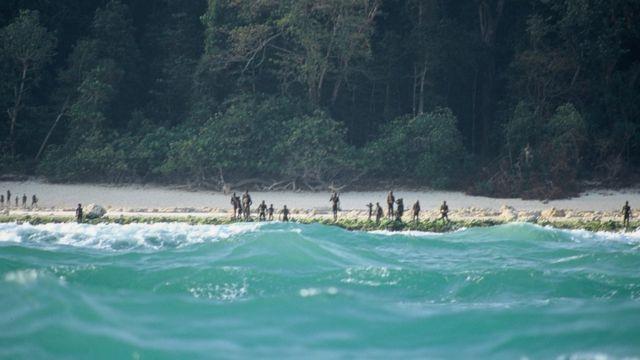 Sentilenci u straži na ostrvu 2005. godine