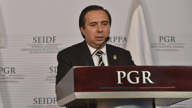 Tomás Zerón en conferencia de prensa