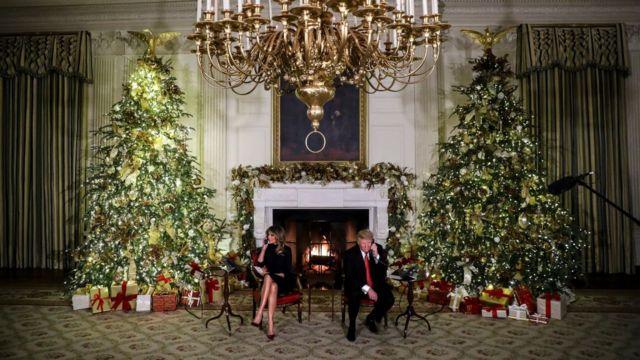 Le président américain Donald Trump et son épouse, Mélania adressent leurs vœux par téléphone à certains enfants, une tradition pour le couple présidentiel au Etats-Unis.