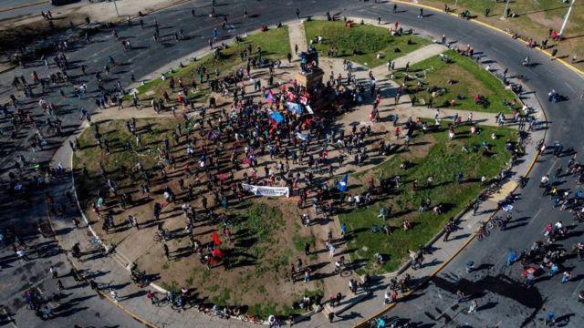 Protestas en Plaza Italia durante este sábado.