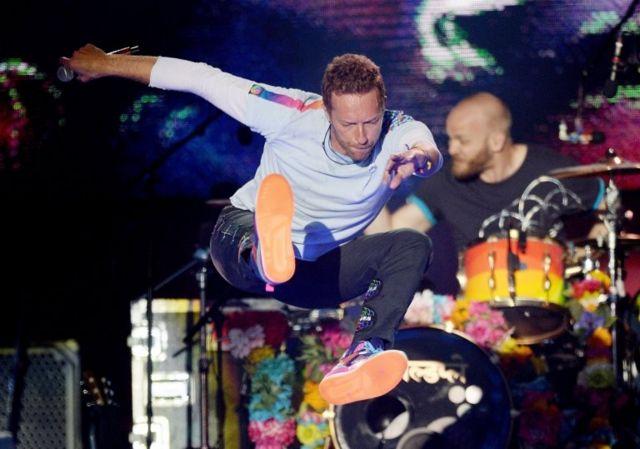 Coldplay de sahne alan gruplar arasındaydı.