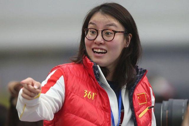 在北京出席国际泳联世锦赛的傅园慧(1/10/2016)