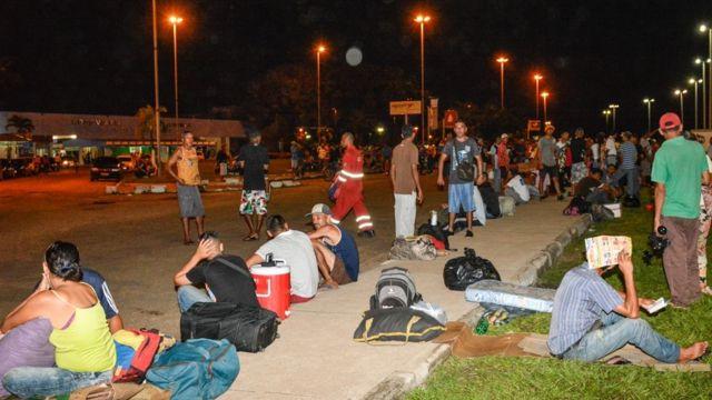 Imigrantes venezuelanos na rua