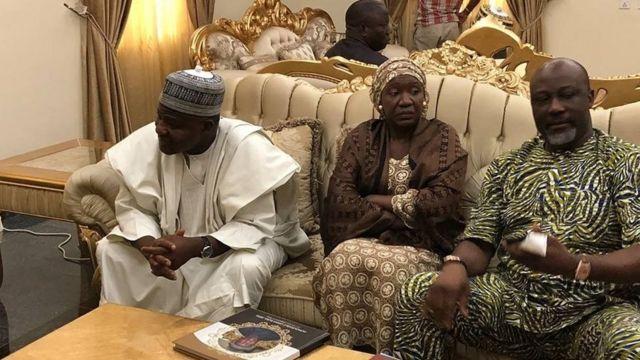 Shugaban Majalisar Wakilai Yakubu Dogara tare da Sanata Dino Melaye lokacin da suka kai ziyarar ta'aziyya gidan wani dan majalisar wakilai,Umar Baba Jibril daga jihar Kogi, wanda ya rasu ranar Juma'a a gidansa da ke Abuja.