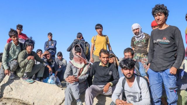 """Dışişleri Bakanlığı'ndan ABD'nin Afgan mülteci politikasına tepki:  """"Türkiye'nin yeni bir göç krizini üçüncü bir ülke adına üstlenecek  kapasitesi yok"""" - BBC News Türkçe"""