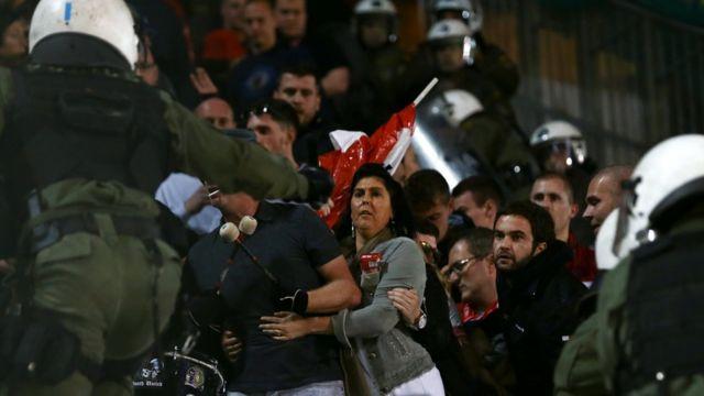 مشجعون، كرة القدم، اليونان