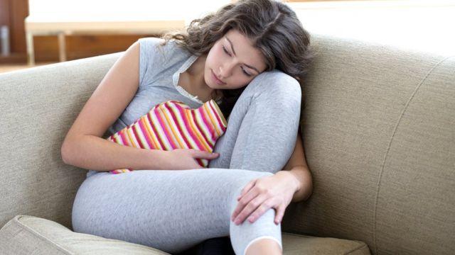 Рождение ребенка помогает далеко не всем женщинам избавиться от болей при месячных