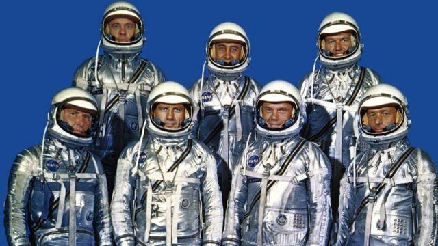 """رواد الفضاء السبعة الذين شاركوا في مشروع """"ميركوري"""""""