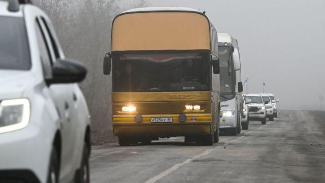 Автобусы с пленными украинцами