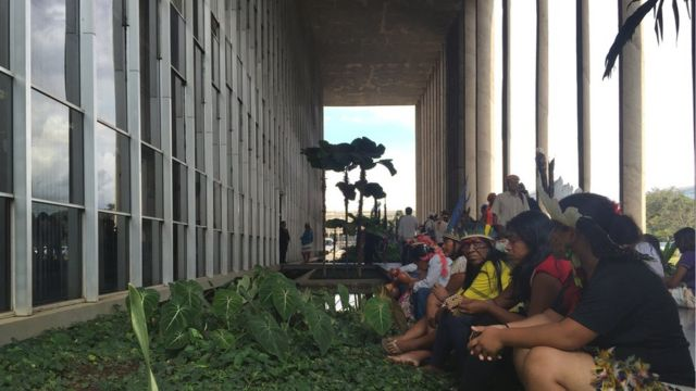Índios em protesto no Ministério da Justiça