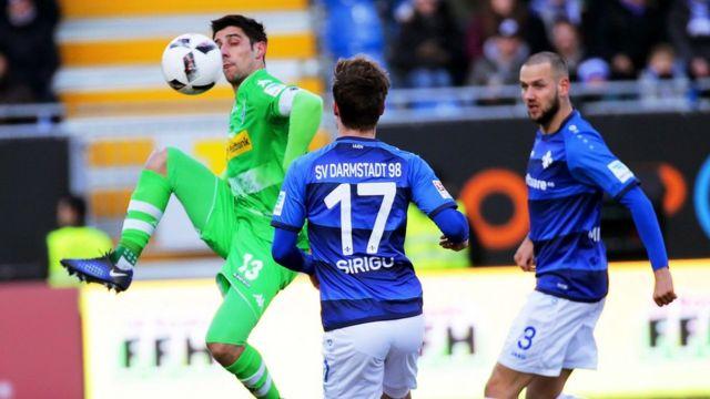 يحتل دارمشتاد الترتيب الأخير في الدوري الالماني لكرة القدم