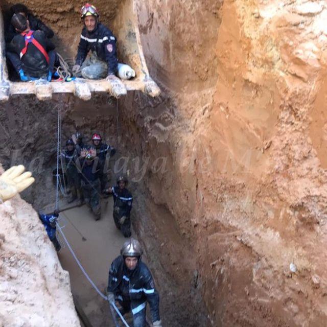 جهود إنقاذ الشاب الجزائري الذي علق في بئر