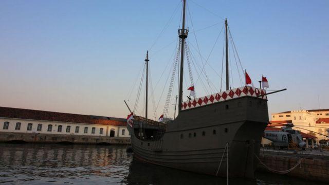 Réplica de la Nau Capitania, la nave en la que viajó Álvares Cabral.