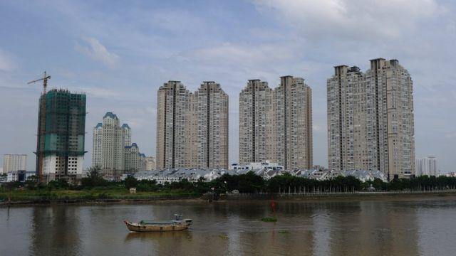 Các dự án bất động sản 'mọc' lên bên sông Sài Gòn (ảnh có tính minh họa).