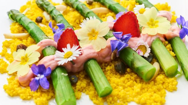 پھول اور کھانے