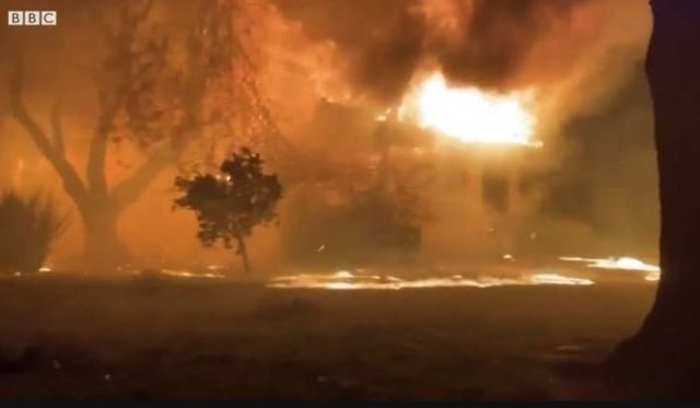 Kebakaran di Sonoma County.