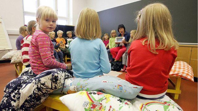 A Finlândia tem sistema de avaliação mais informal e baseado na confiança