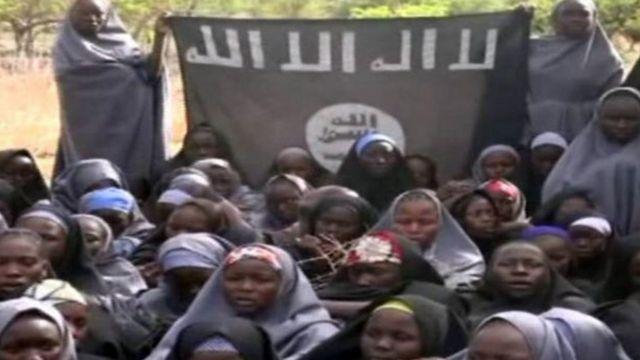 Ifoto y'abana b'abanyeshuri b' i Chibok bashimuswe na Boko Haram muri 2014