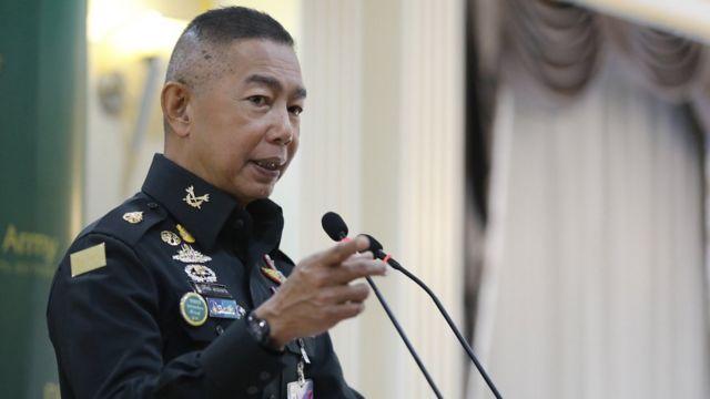 """""""ผมมั่นใจว่า ถ้าการเมืองไม่เป็นต้นเหตุแห่งการจลาจล ก็ไม่มีอะไร ประเทศไทยเคยมีปฏิวัติมา 10 กว่าครั้ง.."""" พล.อ. อภิรัชต์ คงสมพงษ์ ผู้บัญชาการทหารบก กล่าว"""