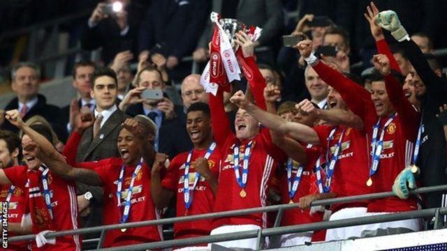 Ciyaartoyda Manchester United oo dabaaldagaya