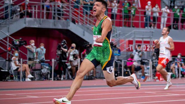 Petrucio Ferreira dos Santos conquista o ouro nos 100 metros rasos na Paralimpíada de Tóquio em 2021