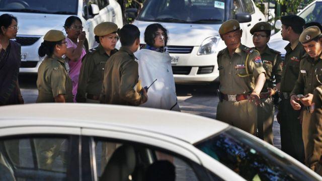 Sharmila comparece ante una corte regional